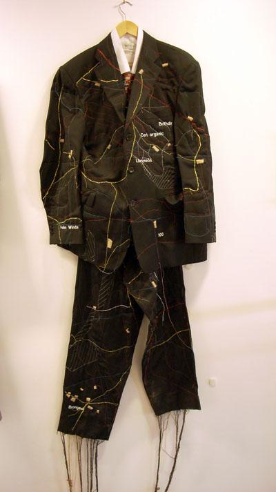 ian suit
